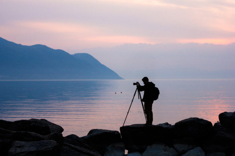 8 Pro Tips for Shooting Perfect Photos in Low Light — Equipment 750x500